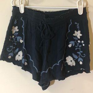 super cute aéropostale thin flower shorts